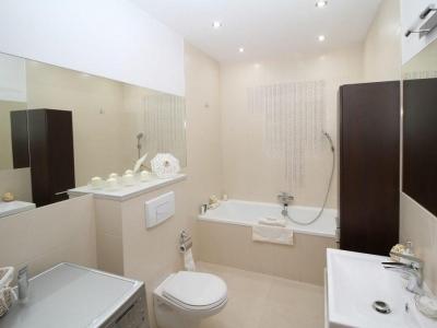 bathroom installed by worcester plumbers